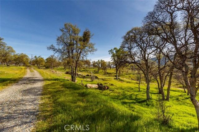 4753 Bear Valley Road, Mariposa CA: http://media.crmls.org/medias/ea2a6b75-a98c-4f34-b2a2-4618940a9ea7.jpg