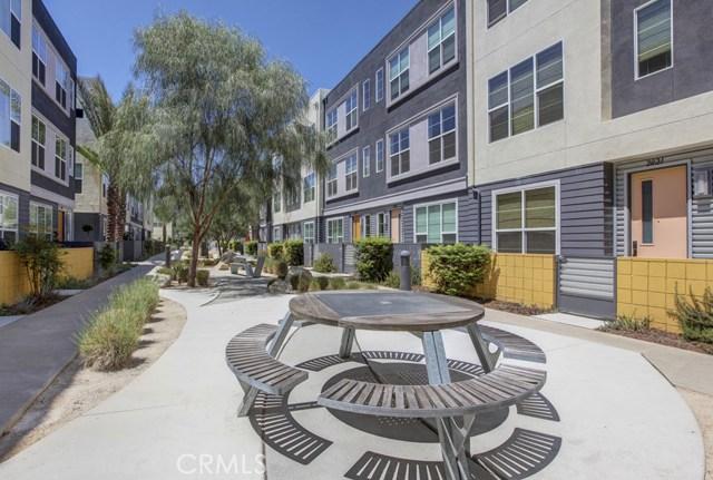 2021 Placentia Avenue, Costa Mesa CA: http://media.crmls.org/medias/ea302686-ca2a-42a3-a5dc-ec55e0fce675.jpg