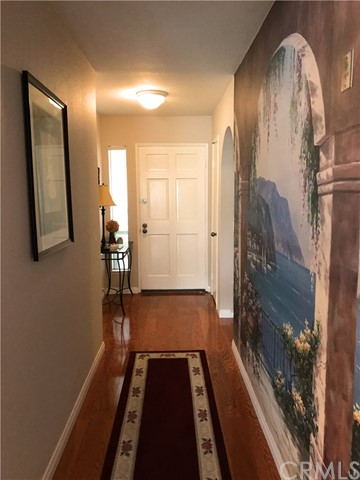 Photo 5 for Listing #OC17100896