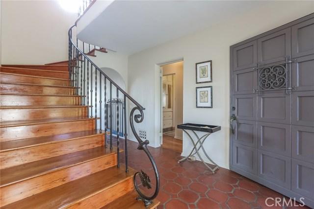 1661 La Cresta Drive, Pasadena CA: http://media.crmls.org/medias/ea58f9d2-4775-4d56-bb55-3b2ed03ff696.jpg