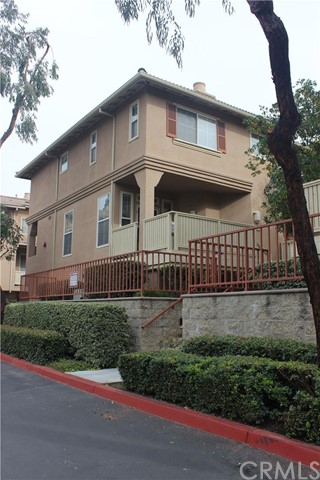 537 W Summerfield Circle Anaheim, CA 92802 is listed for sale as MLS Listing OC16029420