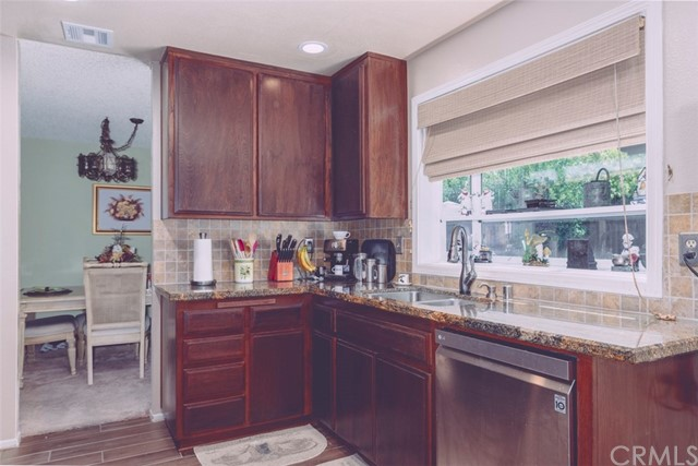 26 N Slope Lane, Phillips Ranch CA: http://media.crmls.org/medias/ea691a17-6143-40c3-aa9b-635d32fcaa3c.jpg
