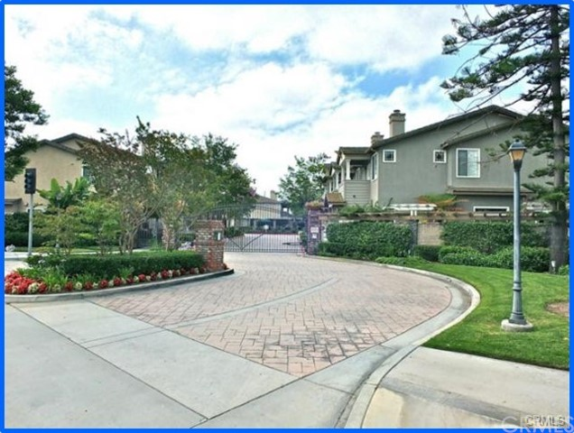 Townhouse for Sale at 2938 Claremore Lane Los Alamitos, California 90815 United States