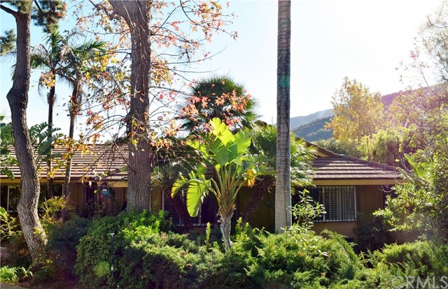 Single Family Home for Sale at 4000 Anderson Avenue 4000 Anderson Avenue Glendale, California 91214 United States