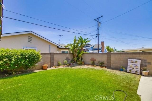 12682 Poplar Street, Garden Grove CA: http://media.crmls.org/medias/ea7e4c0e-657f-4bf2-adab-27bc3156f288.jpg