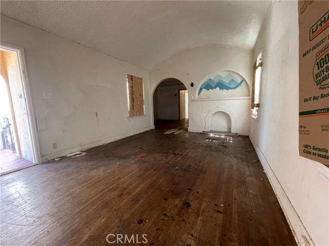 532 W 40th Street, San Pedro CA: http://media.crmls.org/medias/ea82caa8-cf1d-4b4c-abe3-9ffc8090119b.jpg