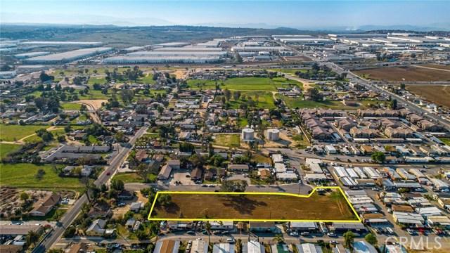 13200 Barbara Street, Moreno Valley CA: http://media.crmls.org/medias/ea9260be-e79a-44cb-a39f-b9c5c13fadfd.jpg