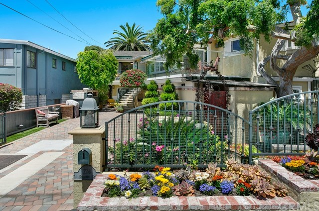 274 Diamond Street , CA 92651 is listed for sale as MLS Listing LG18125908