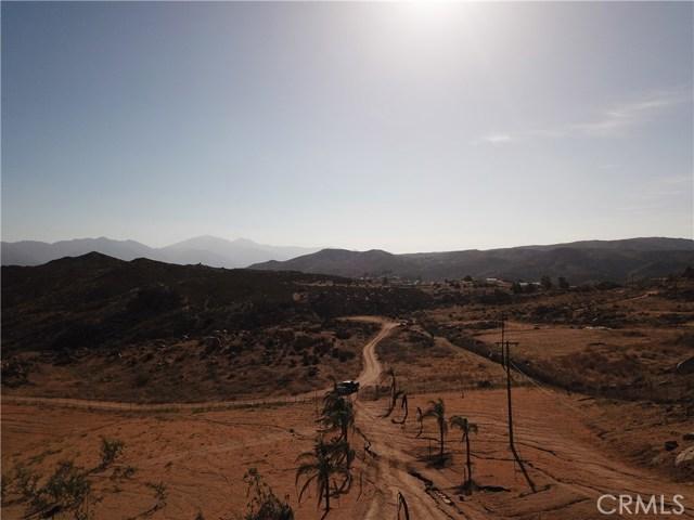 25050 El Toro Road, Perris CA: http://media.crmls.org/medias/eaa9115a-6aa3-42fe-8e20-f9ad249fefcf.jpg