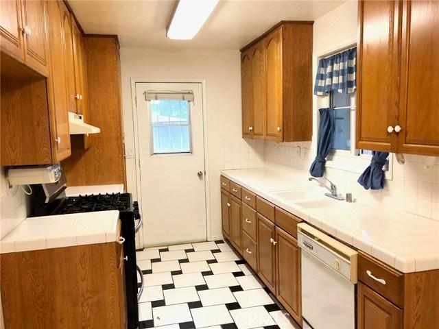 3982 Overland Street, Riverside CA: http://media.crmls.org/medias/eab62eca-9ea0-4ab7-8e43-ddc8f172a9c3.jpg