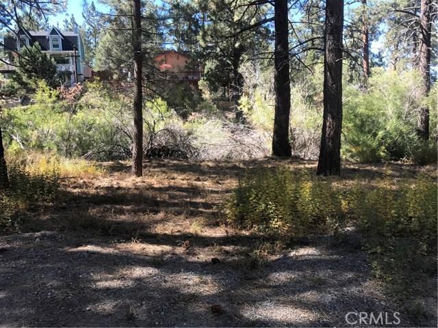 613 Rose Hill Drive, Big Bear CA: http://media.crmls.org/medias/eab6c560-1e63-4d5a-8e38-bfbf7d0925ff.jpg