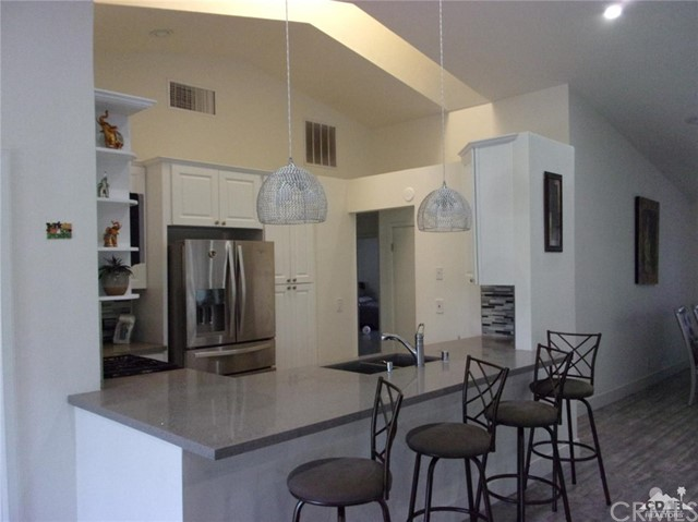 68885 los Gatos Road, Cathedral City CA: http://media.crmls.org/medias/eacd2dd9-321c-4c05-bfdd-e63b64524bb8.jpg