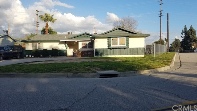 Single Family Home for Sale at 6265 Newbury Avenue San Bernardino, California 92404 United States