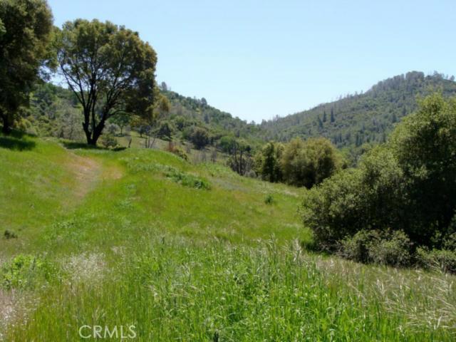 2 Jones Street, Mariposa CA: http://media.crmls.org/medias/eaeb4dd1-ecee-466f-aaaf-9571db3c2634.jpg