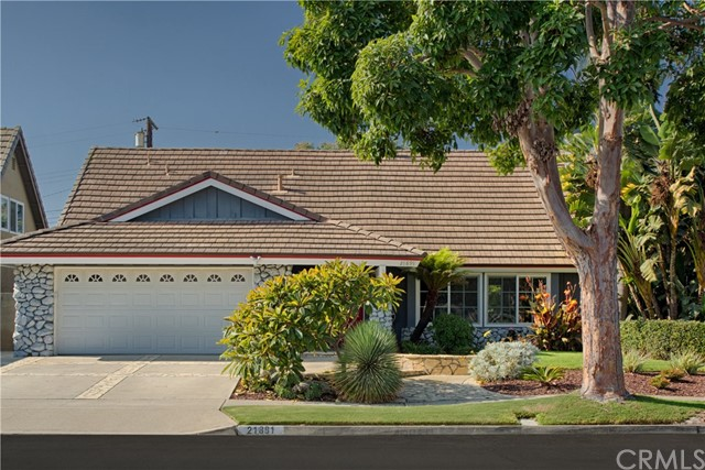 Detail Gallery Image 1 of 1 For 21891 Starfire Ln, Huntington Beach, CA 92646 - 4 Beds | 3 Baths