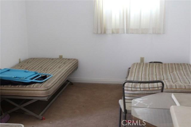 2055 Winfield Road, 29 Palms CA: http://media.crmls.org/medias/eb0a4b97-44f8-4fc6-b829-3d7c4eb3f3a7.jpg