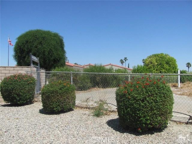 38934 Desert Greens Drive, Palm Desert CA: http://media.crmls.org/medias/eb109d4c-8c0f-4aae-9a9d-971dcd8917a8.jpg