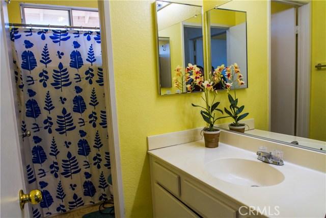 12018 Overland Court, Fontana CA: http://media.crmls.org/medias/eb2144eb-6000-479f-a81d-10dab8f6b5f4.jpg