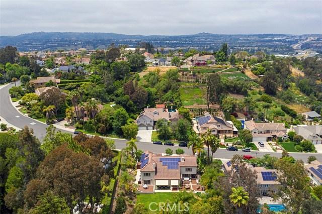 27342 Lost Colt Drive, Laguna Hills CA: http://media.crmls.org/medias/eb2aee8f-4f9c-4b88-862d-70211571a1a0.jpg