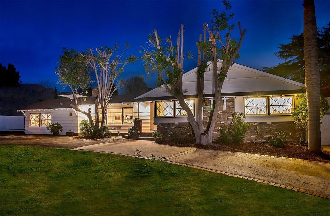 11416 Orcas Avenue - Lakeview Terrace, California
