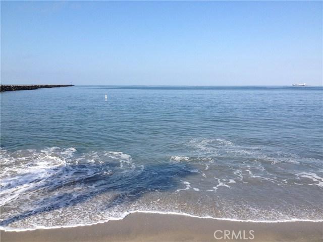 1111 Seal Way, Seal Beach CA: http://media.crmls.org/medias/eb2cf2b1-c000-433a-a756-a0f08adc7adb.jpg