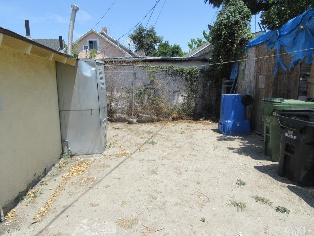 717 W 42nd Place Los Angeles, CA 90037 - MLS #: PW18174281