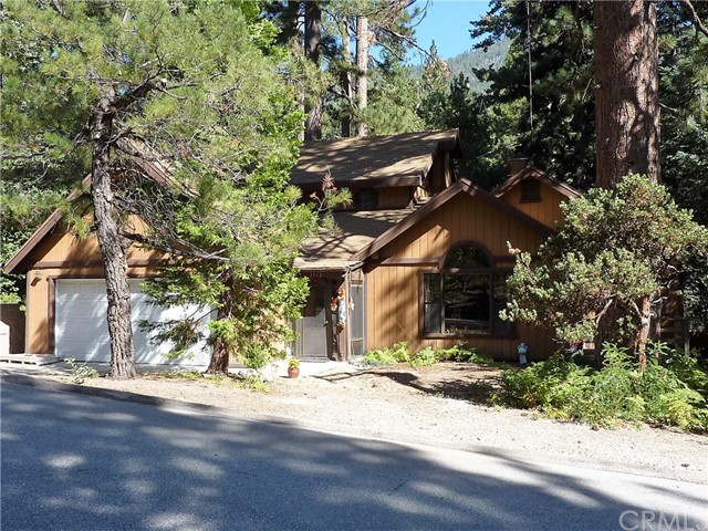 独户住宅 为 销售 在 5913 Lake Drive Angelus Oaks, 加利福尼亚州 92305 美国
