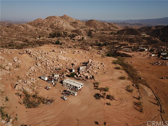 25050 El Toro Road, Perris CA: http://media.crmls.org/medias/eb43493c-9911-443f-b7a8-784917f2348c.jpg
