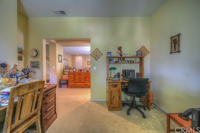 32042 Freesia Court, Lake Elsinore CA: http://media.crmls.org/medias/eb43a1be-afcf-4918-9b7a-a3fffd0a4548.jpg