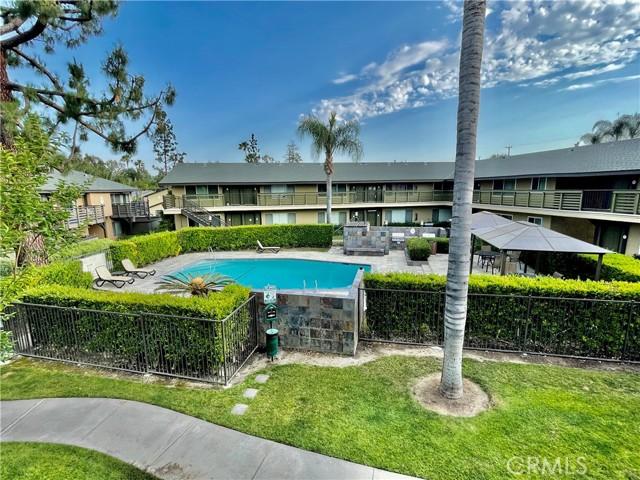 1410 W Lambert Rd, La Habra CA: http://media.crmls.org/medias/eb526079-4104-4949-9494-8d86335a9042.jpg