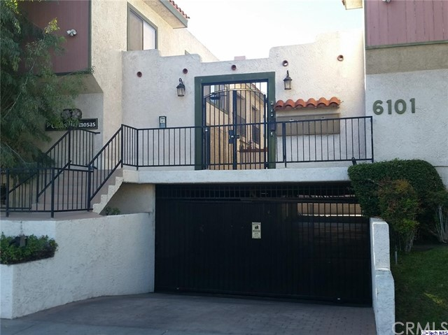 Townhouse for Rent at 6101 Fulton Ave Avenue Valley Glen, California 91401 United States