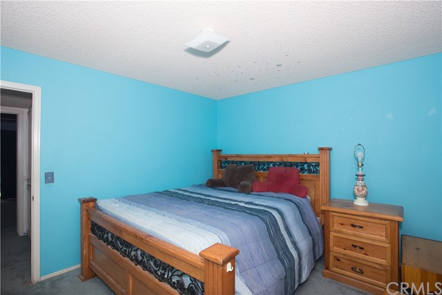 16926 Ouray Road, Apple Valley CA: http://media.crmls.org/medias/eb5d63dd-84a0-4293-8e47-765f0a1852e5.jpg
