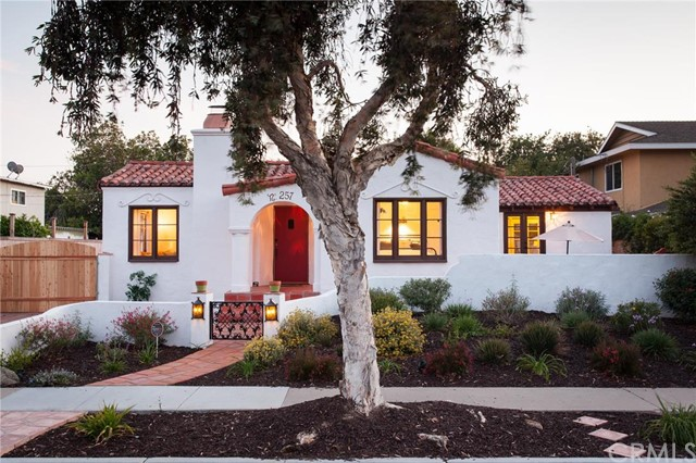 Single Family Home for Sale at 257 Sierks St Costa Mesa, California 92627 United States