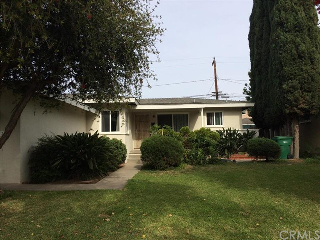 Single Family Home for Rent at 2117 North Spruce St Santa Ana, California 92706 United States