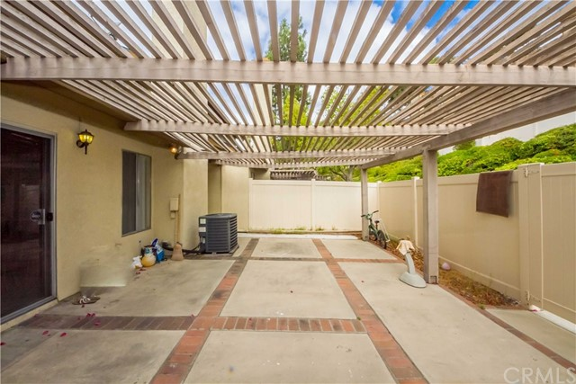 2311 Applewood Circle Unit 16 Fullerton, CA 92833 - MLS #: PW17222417