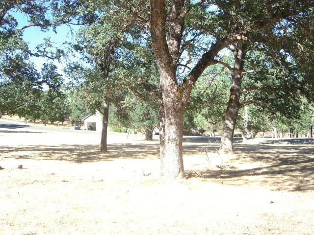 15675 Eagle Rock Road, Hidden Valley Lake CA: http://media.crmls.org/medias/eba276a0-8132-4726-b4d1-30e0a070416b.jpg