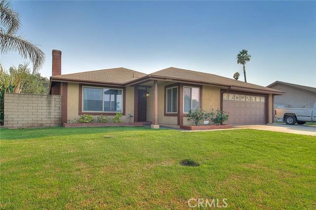 10078 Julian Drive, Riverside CA: http://media.crmls.org/medias/ebaa866c-cfb9-4280-a759-96fbe7b3a996.jpg