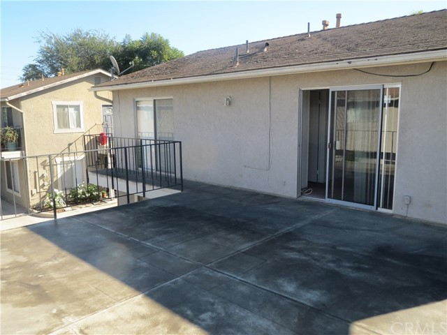 2380 Orange #3 Avenue, Costa Mesa CA: http://media.crmls.org/medias/ebb67da1-d616-4dc5-90a4-fd9127cca5aa.jpg