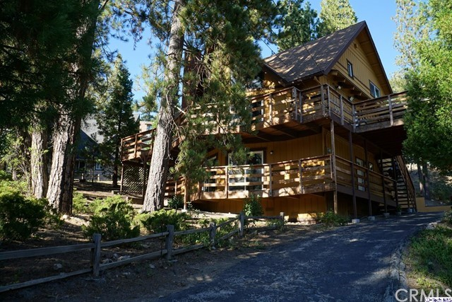 645 tunnel Court, Lake Arrowhead, CA 92352