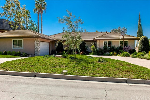 Single Family Home for Sale at 1320 Miramar St Fullerton, California 92831 United States