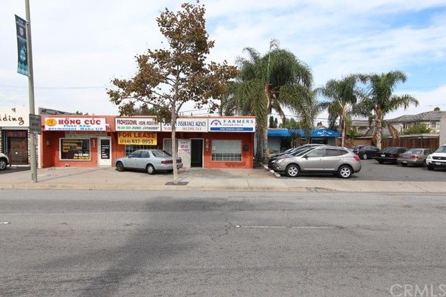 Offices for Sale at 8081 Westminster St Westminster, California 92683 United States
