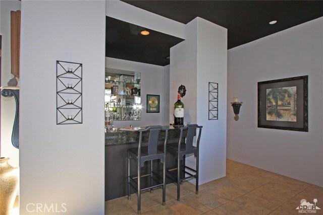 104 Loch Lomond Road, Rancho Mirage CA: http://media.crmls.org/medias/ebe8991a-47b7-4d75-978c-ef7d8be15f33.jpg