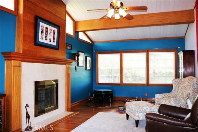 17825 Regentview Avenue, Bellflower CA: http://media.crmls.org/medias/ebe9f8dd-8bbf-439f-8e35-385034045c60.jpg