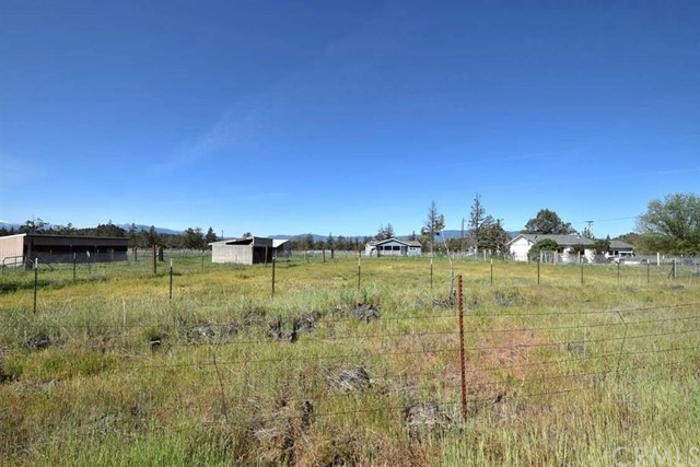 Single Family for Sale at 5900 County Highway A-12 Montague, California 96064 United States