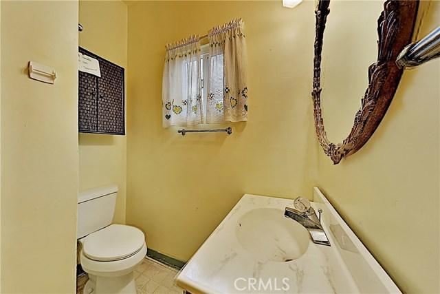 1405 S Nevada Avenue, Los Banos CA: http://media.crmls.org/medias/ebf34f4c-62b9-47b0-9d46-5087396542bf.jpg
