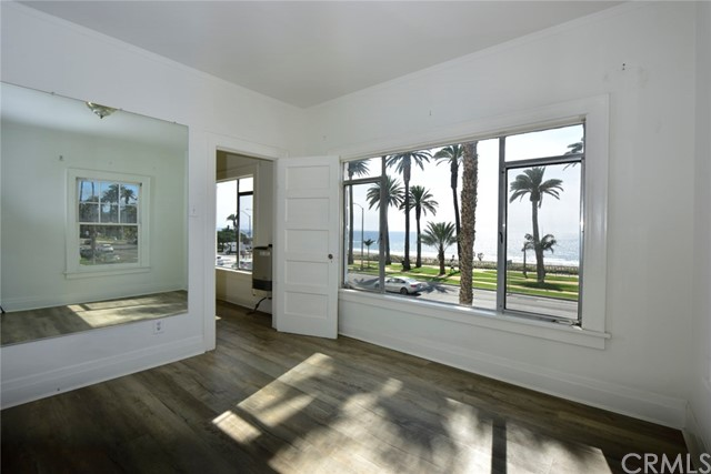 1045 Ocean Ave, Santa Monica, CA 90403 photo 43