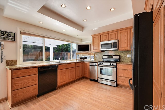 1711 Brookshire Avenue Tustin, CA 92780 is listed for sale as MLS Listing OC17152219