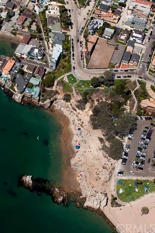 Single Family for Sale at 2808 Ocean Boulevard Corona Del Mar, California 92625 United States