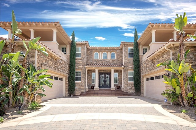 1124  Maravilla Circle, Corona, California