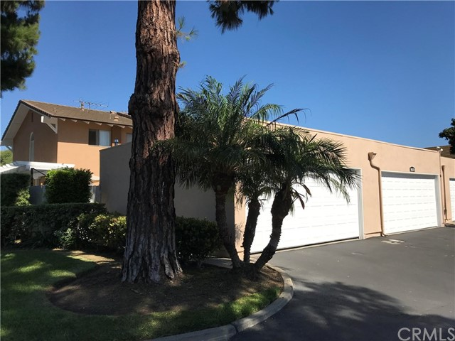 10670 La Rosa Lane, Fountain Valley CA: http://media.crmls.org/medias/ec2d492a-d70f-4190-a805-2fe26d44e629.jpg